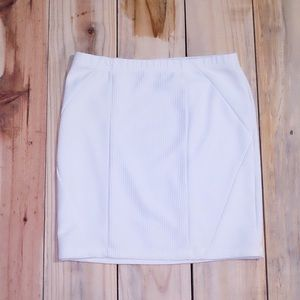 ☀️F21 White Tight Ribbed Skirt Size Medium